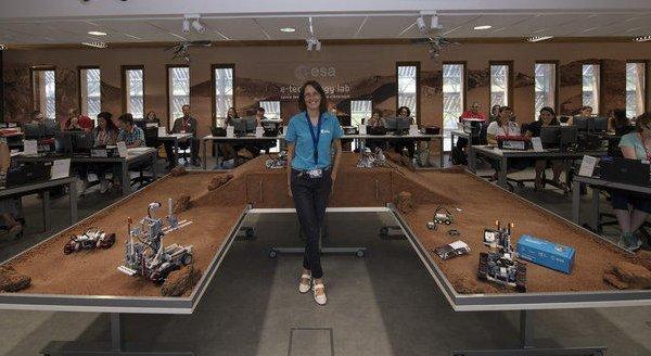 Applications open for new e-technology lab secondary teacher workshops
