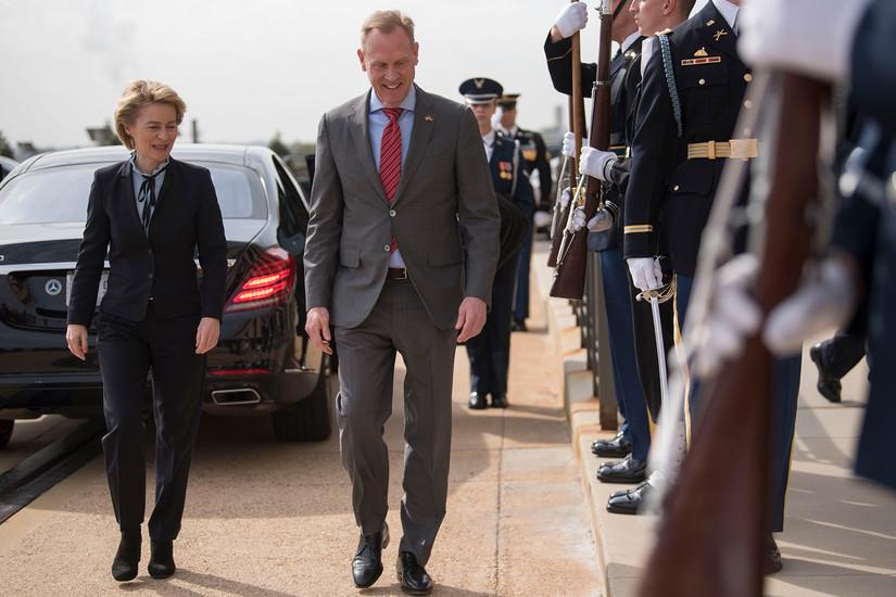 German, U.S. Defense Leaders at Pentagon